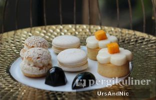 Foto 3 - Makanan di The Writers Bar - Raffles Jakarta Hotel oleh UrsAndNic
