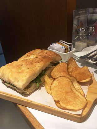 Foto 13 - Makanan di The Goods Cafe oleh Prido ZH