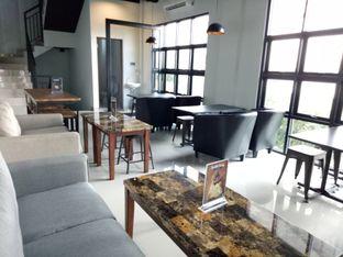 Foto 3 - Interior di KRAH Coffee & Cuisine oleh Kuli Jajan