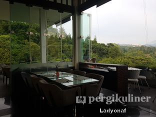 Foto 4 - Interior di The Restaurant - Hotel Padma oleh Ladyonaf @placetogoandeat