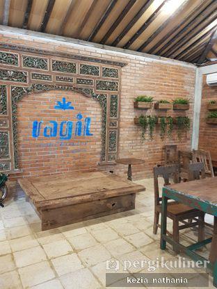 Foto 3 - Interior di Ragil Coffee & Roastery oleh Kezia Nathania