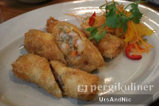 Foto 2 - Makanan(Spring roll seafood) di C's Steak and Seafood Restaurant - Grand Hyatt oleh UrsAndNic