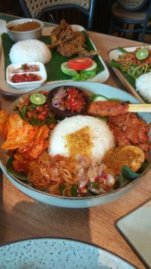 Foto 6 - Makanan(Nasi Bali Mbok Jegeg (67k) ) di Taliwang Bali oleh Renodaneswara @caesarinodswr