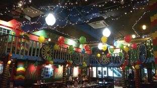 Foto 3 - Interior di Amigos Bar & Cantina oleh Renodaneswara @caesarinodswr