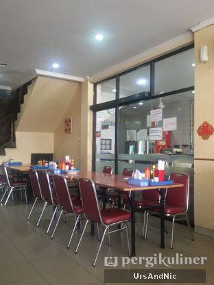 Foto 8 - Interior di Makassar Seafood Pelangi oleh UrsAndNic