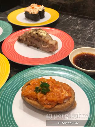 Foto 15 - Makanan di Sushi Go! oleh bataLKurus