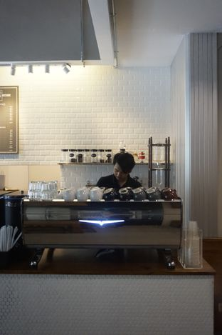 Foto 19 - Interior di Kapyc Coffee & Roastery oleh yudistira ishak abrar