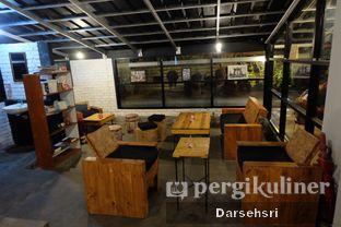 Foto 16 - Interior di Klasik Coffee oleh Darsehsri Handayani