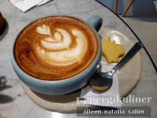 Foto 3 - Makanan(Macchiatto) di Origin Bakery oleh @NonikJajan