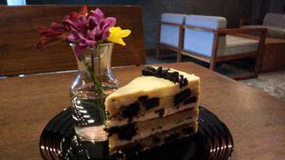 Foto 2 - Makanan(Oreo Peanut Cake) di Scandinavian Coffee Shop oleh Komentator Isenk
