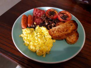 Foto - Makanan(Super breakfast) di 911 Coffee Roastery oleh Fika Sutanto
