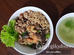 Foto 2 - Makanan di Pangsit Mie & Lemper Ayam 168 oleh UrsAndNic