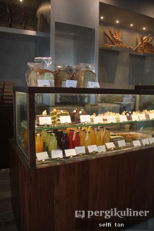 Foto 5 - Interior di BEAU Bakery oleh Selfi Tan