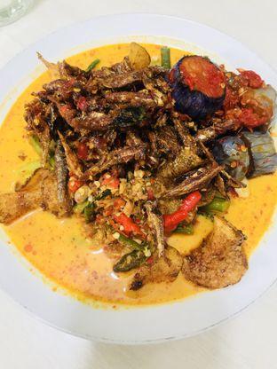 Foto 1 - Makanan(Lontong Sayur Extra Terong) di Ernie oleh Levina JV (IG : @levina_eat & @levinajv)