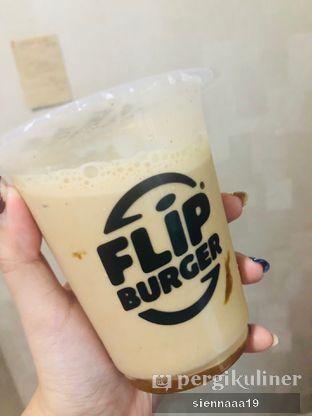 Foto 3 - Makanan(kopi susu gula aren) di Flip Burger oleh Sienna Paramitha