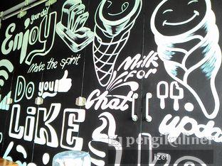 Foto 6 - Interior di BASIC Kedai Bakso dan Ice Cream oleh izel / IG:Grezeldaizel