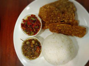 Foto 2 - Makanan di Sambal Khas Karmila oleh nanakawaichan IG:@nanakawaichan