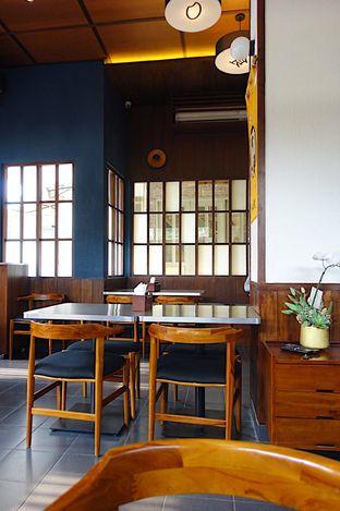 Foto 8 - Interior di Yabai Izakaya oleh iminggie