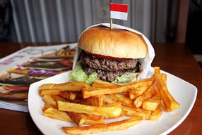 Foto Olah Burger Bar