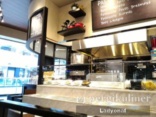 Foto 10 - Interior di The Kitchen by Pizza Hut oleh Ladyonaf @placetogoandeat