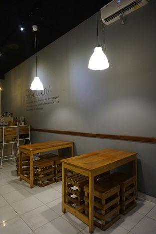 Foto 3 - Interior di Ruang Eatery & Coffee oleh yudistira ishak abrar