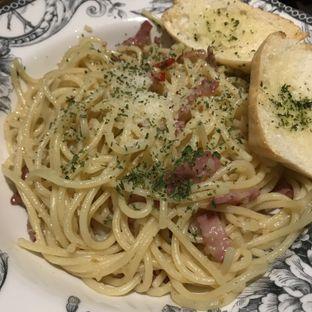Foto 1 - Makanan(Spaghetti Aglio Olio with Pork Bacon) di Red Door Koffie House oleh @stelmaris