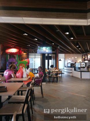 Foto 2 - Interior di KFC oleh cynthia lim