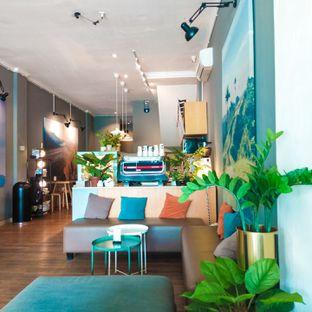 Foto 9 - Interior di Bhumi Coffee oleh duocicip