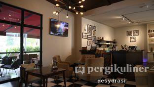 Foto 4 - Interior di Koffie - Hotel De Paviljoen Bandung oleh Makan Mulu