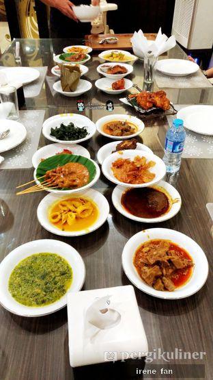 Foto 1 - Makanan di RM Pangeran Khas Minang oleh Irene Stefannie @_irenefanderland