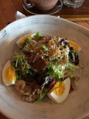 Foto 3 - Makanan(Caesar Salad) di Kohicha Cafe oleh Elvira Sutanto