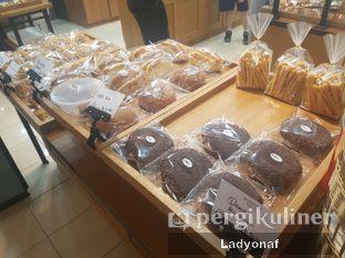 Foto 1 - Interior di Bonjour Bakery oleh Ladyonaf @placetogoandeat