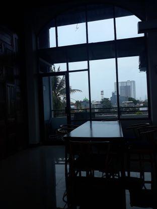 Foto 6 - Interior di Kowok Coffee & Gallery oleh Mouthgasm.jkt
