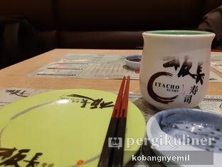 Foto 3 - Makanan di Itacho Sushi oleh kobangnyemil .