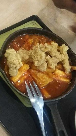 Foto 1 - Makanan(Yangneum chicken toppoki) di Mujigae oleh yolandakusumaw