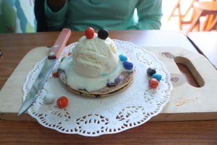 Foto 4 - Makanan(Pancake 2 Layer With Vanilla Ice Cream) di Pick N Mix oleh Eunice