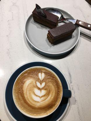 Foto 3 - Makanan(Cappuccino) di Raindear Coffee & Kitchen oleh RI 347   Rihana & Ismail