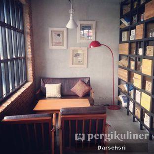 Foto 13 - Interior(Lantai Dua) di Raffel's oleh Darsehsri Handayani