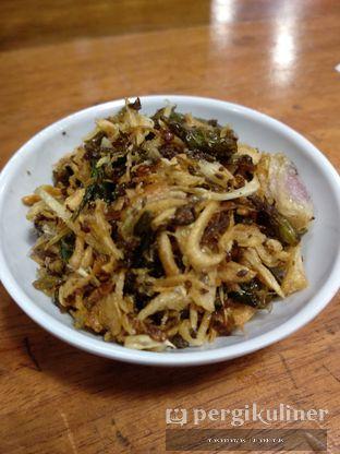 Foto 3 - Makanan(Sambal bawang goreng ) di Sambal Khas Karmila oleh Ega Cipta Raymandha