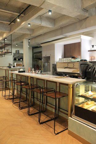 Foto review Living-Room Coffeehouse oleh Prido ZH 12
