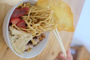 Foto 2 - Makanan di Bakmi Pangsit Palu oleh Duolaparr