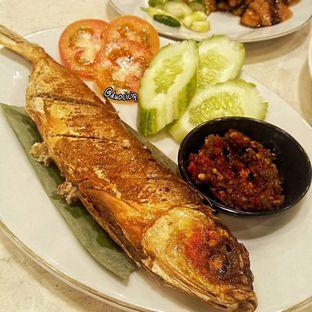 Foto 5 - Makanan(Bandeng Gepuk Presto) di Gado - Gado Cemara oleh duocicip