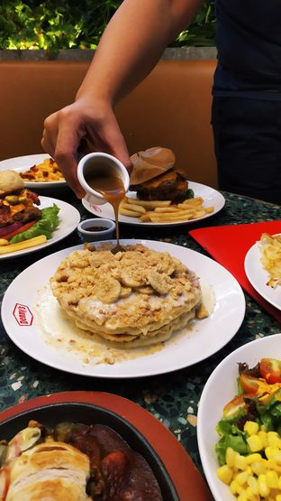 Foto review Denny's oleh Ro vy 7