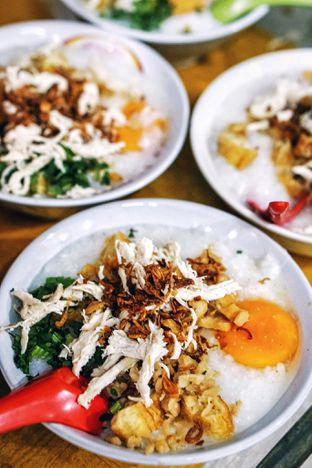 Foto review Bubur Ayam Tangki 18 Aguan oleh Foodie Keliling 1