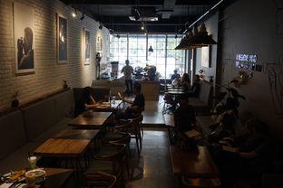 Foto 28 - Interior di Chief Coffee oleh yudistira ishak abrar