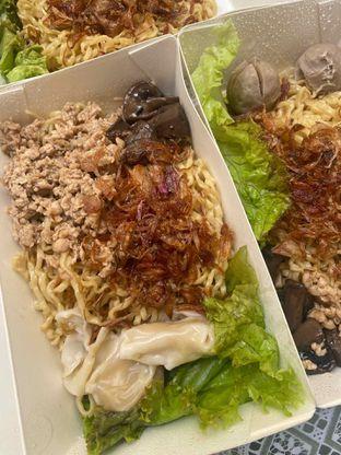 Foto 2 - Makanan di Pangsit Mie & Lemper Ayam 168 oleh Levina JV (IG : @levina_eat & @levinajv)