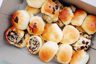 Foto - Makanan di Roti Unyil Venus oleh Indra Mulia