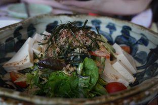Foto 10 - Makanan(Tofu Agejako Salad) di Enmaru oleh Elvira Sutanto
