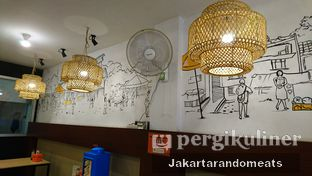 Foto 3 - Interior di Pak Qomar - Bebek & Ayam Goreng oleh Jakartarandomeats