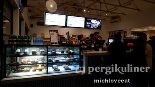 Foto 2 - Interior di Anomali Coffee oleh Mich Love Eat